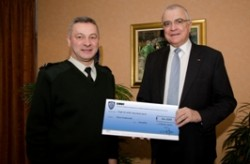 Copie de Remise de chèque 5 février 2014 à l'association Terre Fraternité