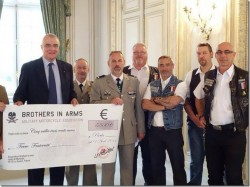 remise de chèque brothers in arms 2014