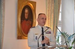 02-le major Hanet expliquant la procédure